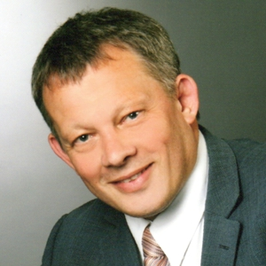 Edmund Hilt, Geschäftsführer