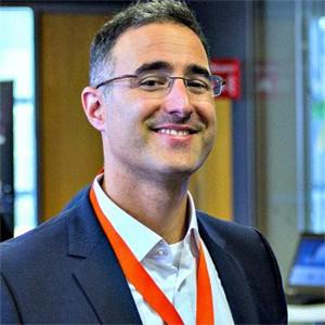 Lucas Pedretti, Geschäftsführer